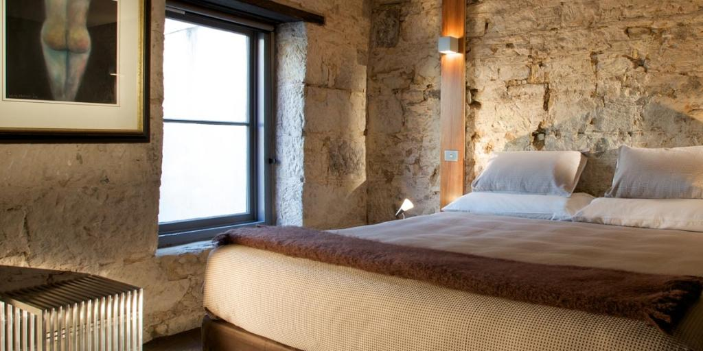 Bedroom: Sullivan's Cove Apartment