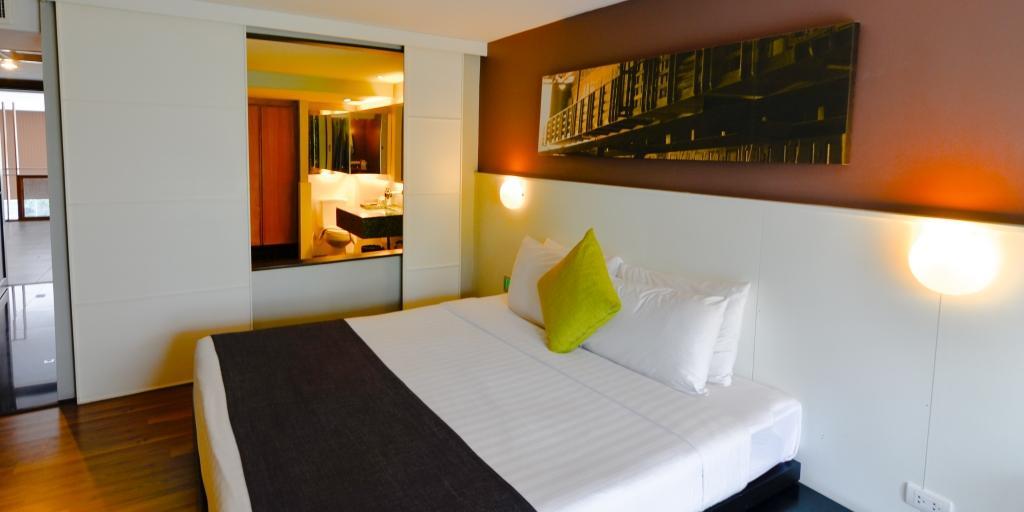 Guestroom: Page 10 Hotel
