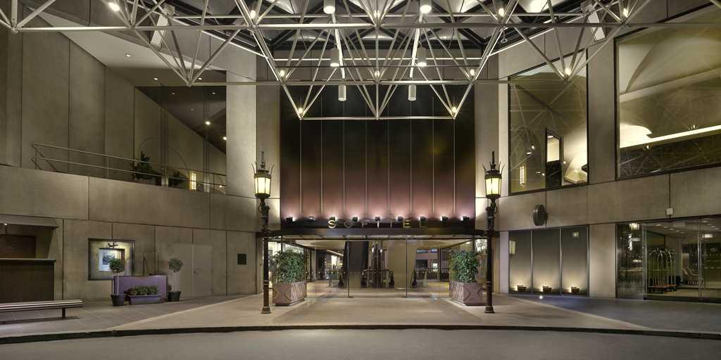 Entrance: Sofitel Melbourne on Collins