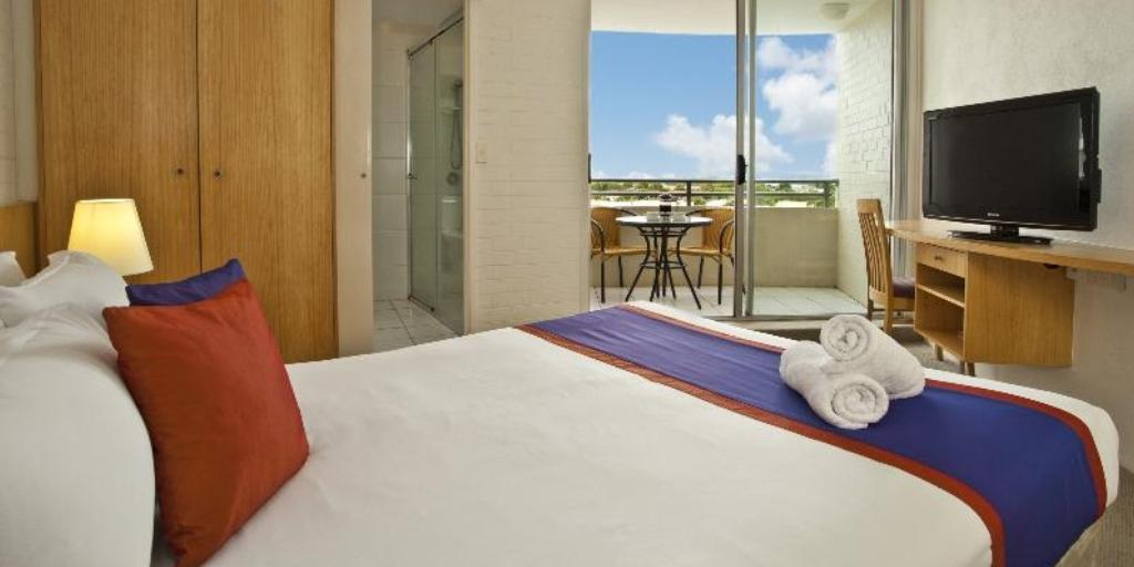 Standard Hotel Room: Ramada Marcoola Beach