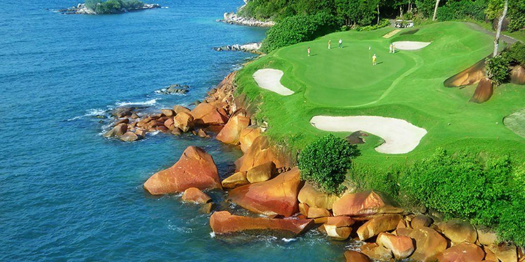 Hole 9 Ria Bintan Ocean Course
