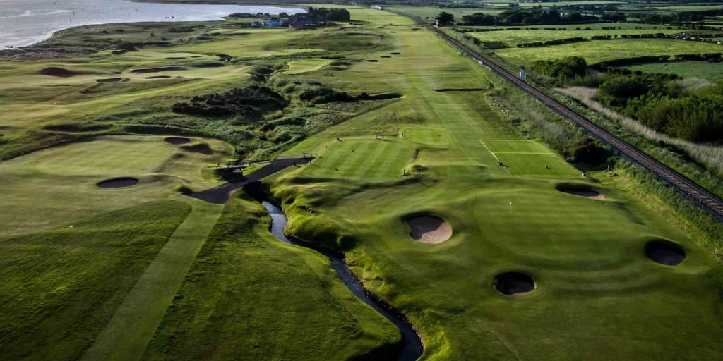 Castlerock Golf Club: Railway Tracks along the course