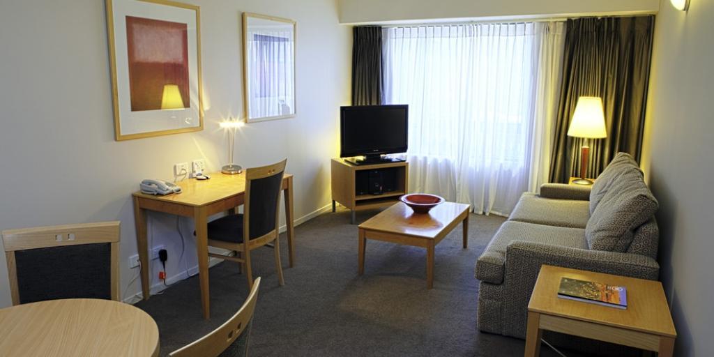 Single Bedroom: Mantra Apartments Southbank