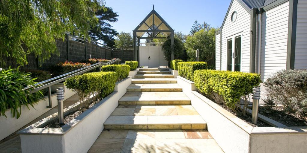 Property Grounds: Portsea Village Resort