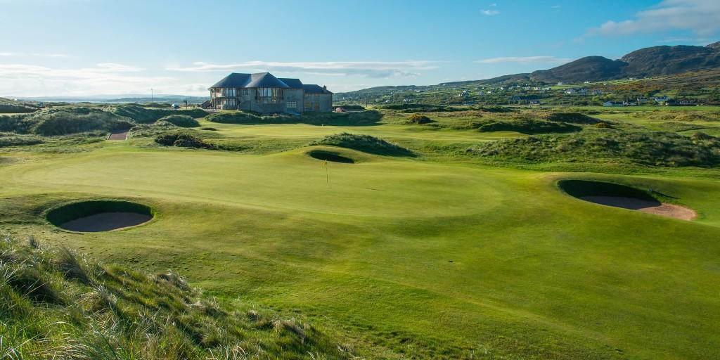 Ballyliffin Golf Club (Glashedy Links): 18th Green