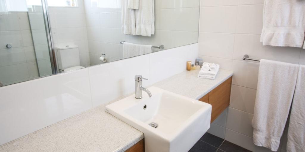 Bathroom: Hotel Sorrento