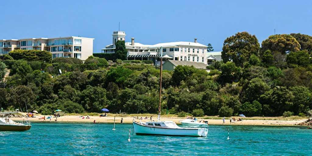 Hotel Sorrento from the Port Phillip Bay