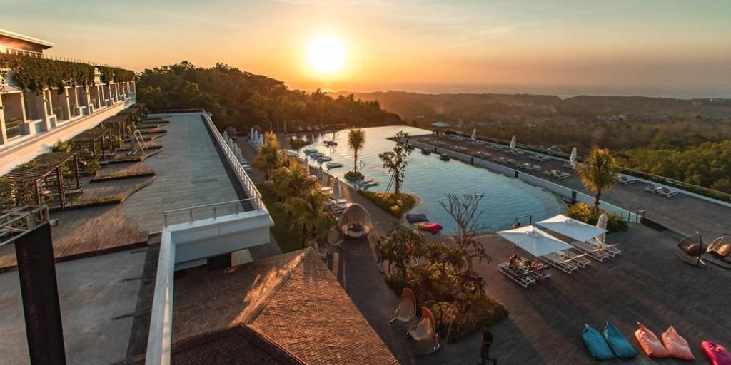 Renaissance Bali Uluwatu: Infinity Pool