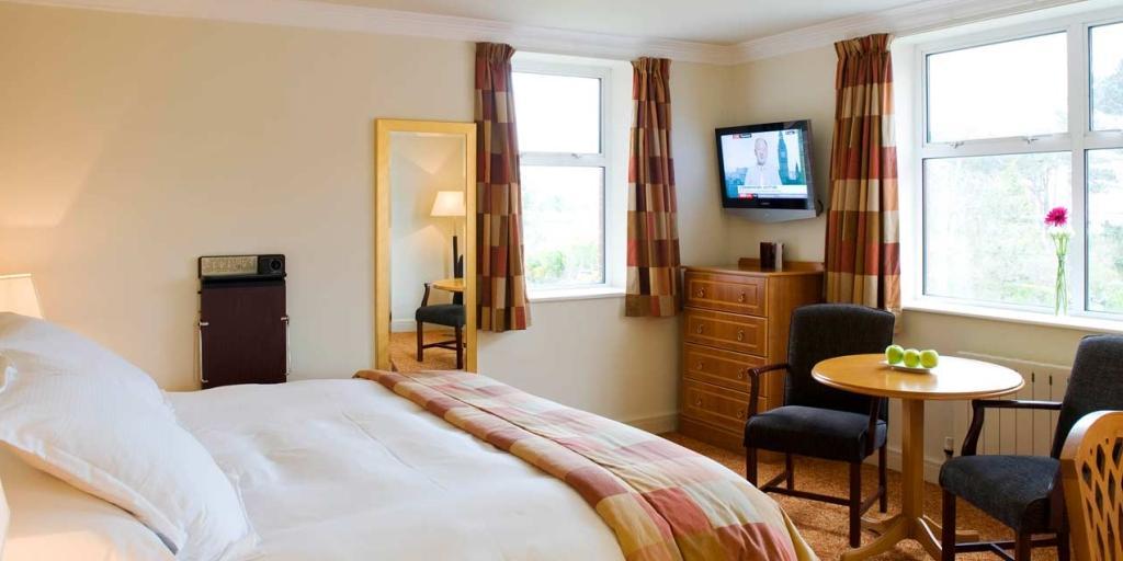 Classic Room: Slieve Donard Hotel