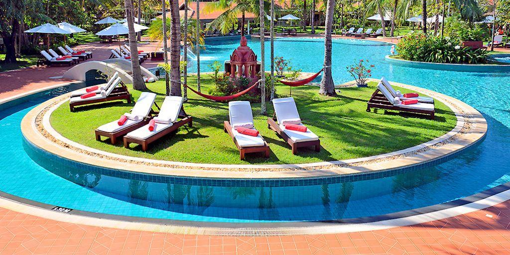 Pool: Sofitel Angkor Phokeethra Resort