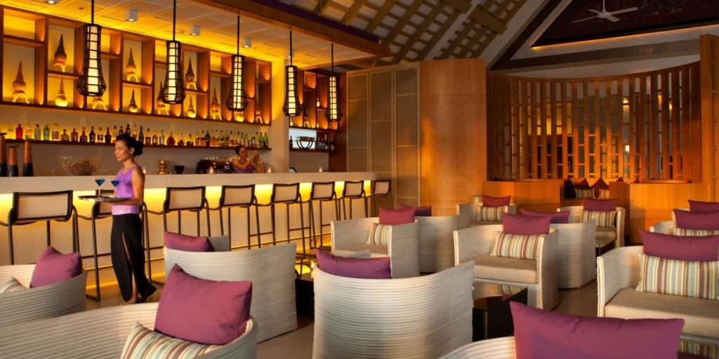 Loy Krathong Bar: Angsana Laguna Phuket