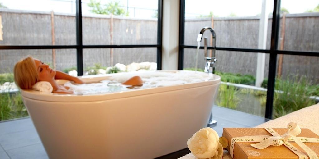 Deep Soaking Bath: Mercure Kooindah Waters