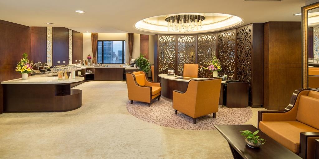 Club Lounge: Duxton Hotel Saigon