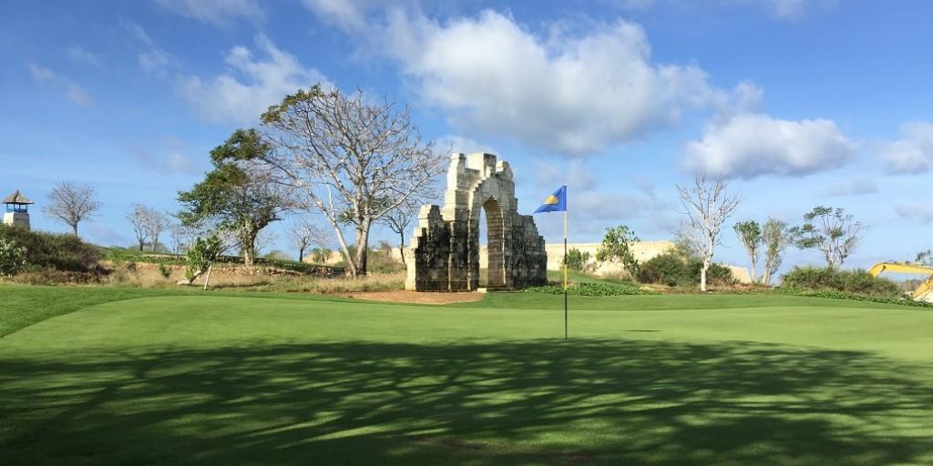 Bukit Pandawa Golf Club: Hole 14